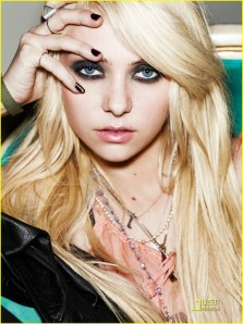 Taylor Momsen - Wildly Beautiful