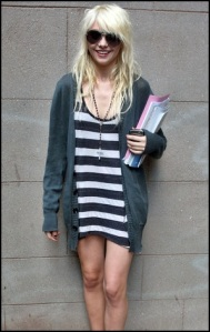 The-Taylor-Momsen-sweet-smile